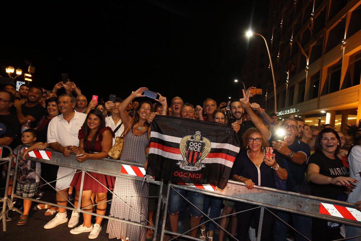 Et de l'obscurité jaillit la lumière 😍... Forza Nissa ✊️🔴⚫️ #NapoliOGC...