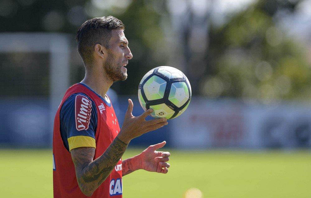 Após cirurgia de hérnia, Rafael Marques se recupera em casa e espera retorno ao Cruzeiro https://t.co/EfNP6JIBXf