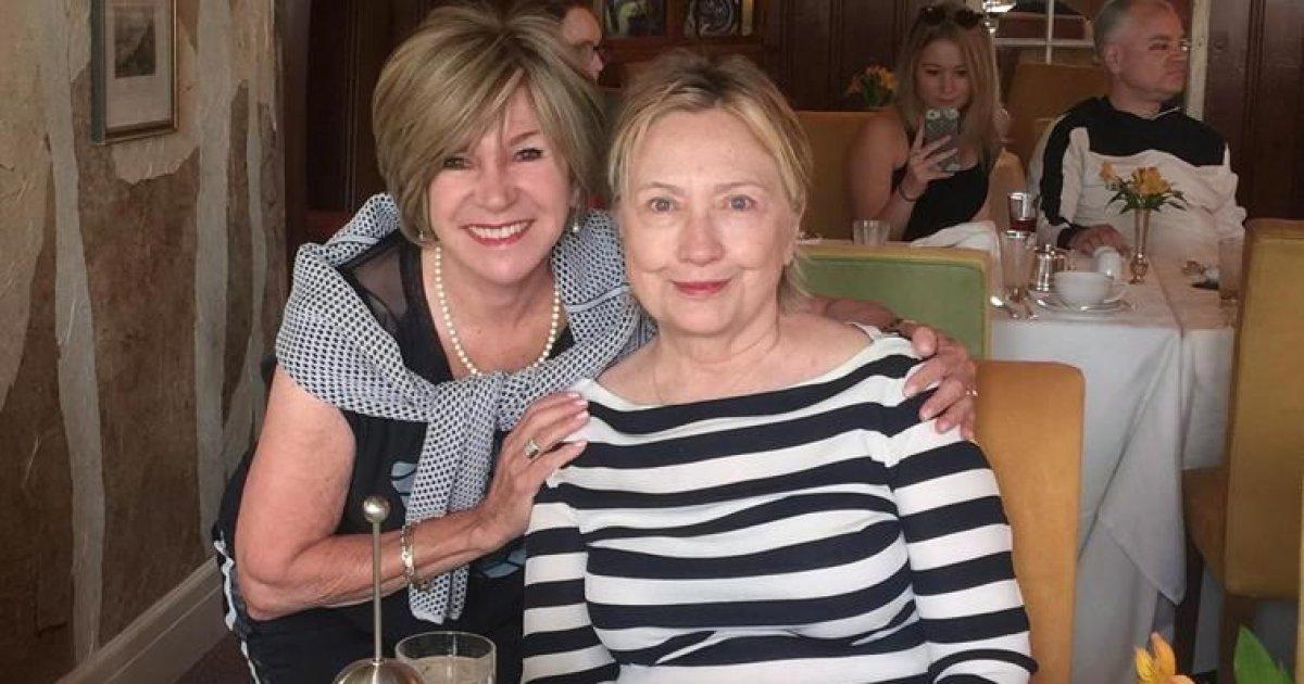 En vacances en Estrie, Hillary Clinton trouve les Québécois très sympathiques  https://t.co/PWX63N8efz