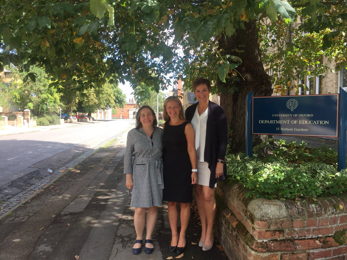 Visit from Norwegian PM @AnneTWh discussing school research - #assessment @OUCEA_OX @SlateResearch @Baird_jo_anne @UniofOxford @pamsammons<br>http://pic.twitter.com/yg9Qs4uRqR