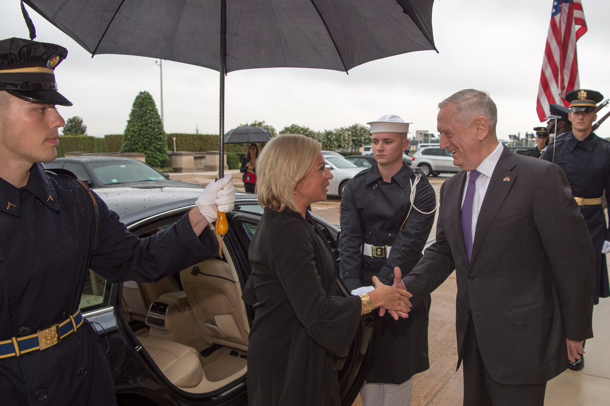 #SecDef Jim Mattis welcomes #Netherland's Minister of Defense @JeanineHennis to the #Pentagon in #WashingtonDC. @NLintheUSA<br>http://pic.twitter.com/CFqWIyUhXm