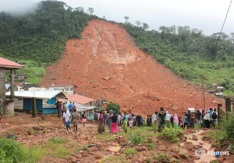 UPDATE: Nearly 400 bodies uncovered so far after Sierra Leone mudslide, over 500 expected - chief coroner https://t.co/zw6wAREPQu
