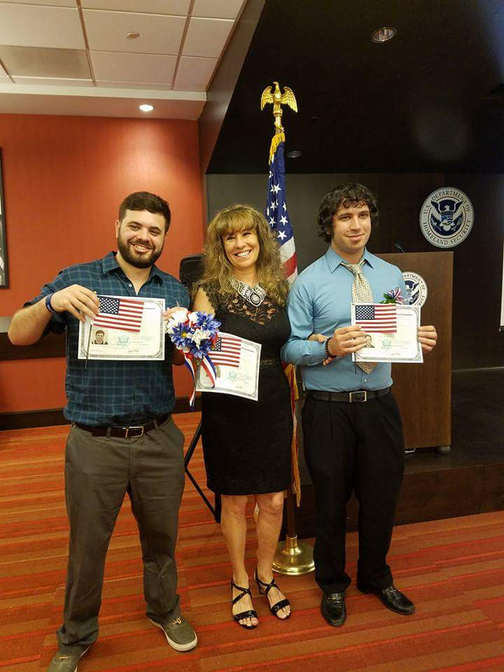Congratulations to Hungrybox for becoming an official US Citizen!https://twitter.com/LiquidHbox/status/897523071631986688