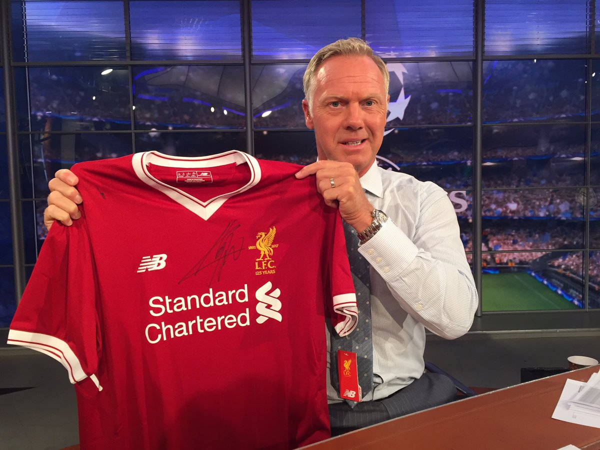 Liverpool jersey signed by Jürgen Klopp, anyone???  RT and make sure you follow us for a chance to win!
