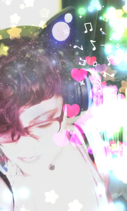 Damn I love my new headphones and using #Meitu <br>http://pic.twitter.com/Wmvs5nfBgj