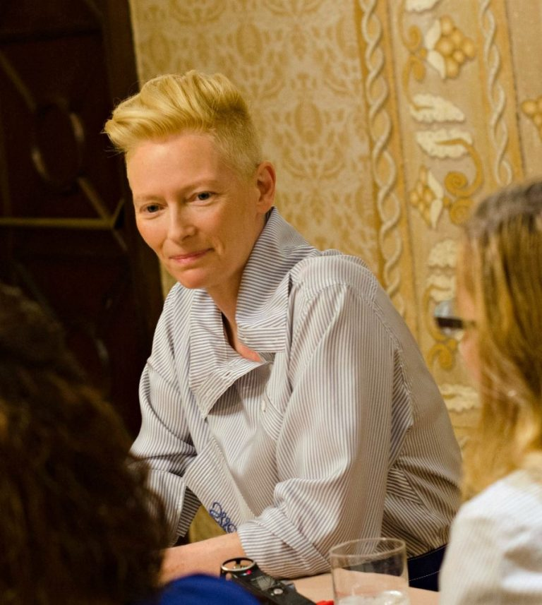 Tilda Swinton shared a life changing message in #Okja - here&#39;s a throwback to my interview w her from #DoctorStrange  http:// bit.ly/2f9MPJS  &nbsp;  <br>http://pic.twitter.com/BM4zV6VsiC