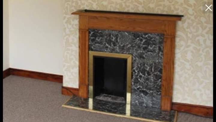 A friend has found this on a property website, the world's worst fireplace. https://t.co/5xBnWeMB21