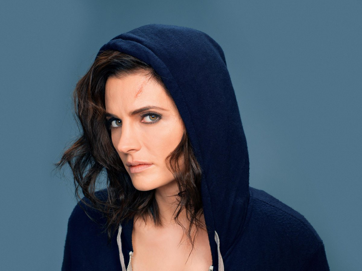 #StanaKatic #Absentia Promotional photo in HQ:  http:// absentia-tv.com/gallery/thumbn ails.php?album=22 &nbsp; … <br>http://pic.twitter.com/NrV2cKYL9s