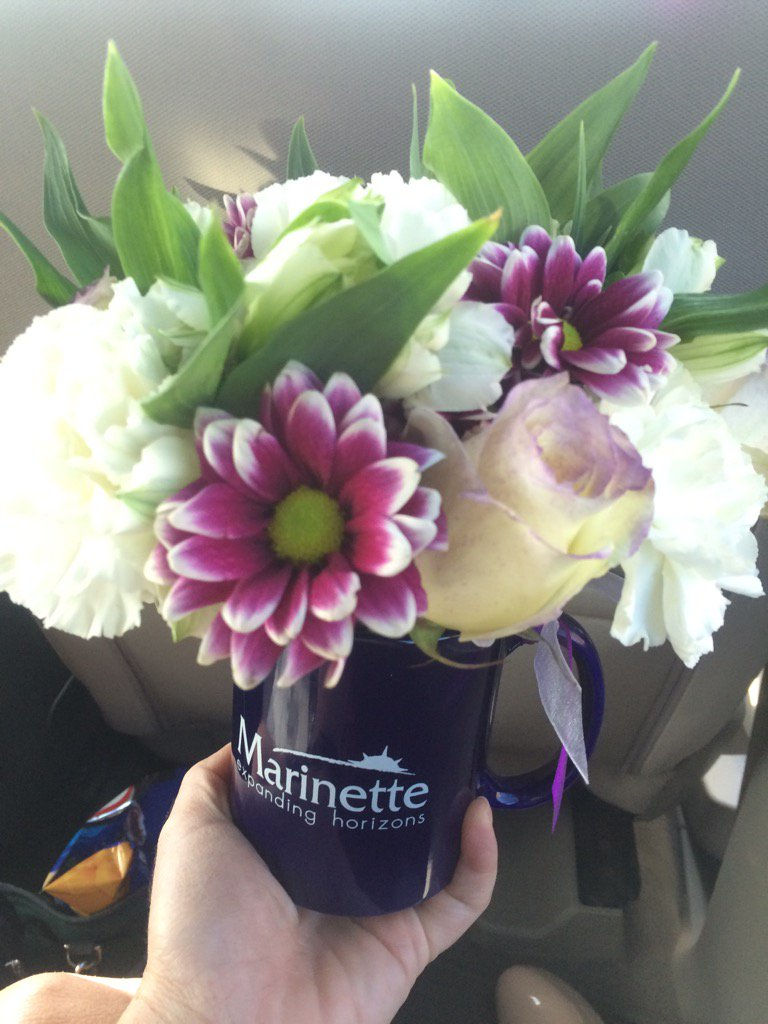 Hey @KleefischJoel , #Marinette bought me flowers @Cabelas fishing tourney. #thoughtfultuesday<br>http://pic.twitter.com/A7ayCqwP49
