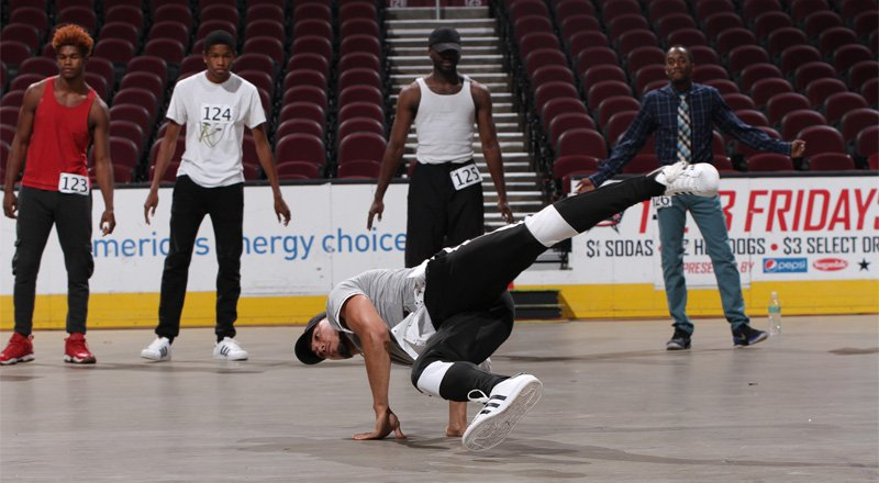 Our 2017 @CavsScreamTeam Auditions were 🔥 GALLERY → https://t.co/ihNCP...