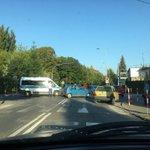 Utrudnienia na skrzyżowaniu ulic Ledóchowskiego /Piłsudskiego Ostrowie po kolizji dwóch aut osobowych.