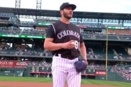 ATL@COL: #ChadBettis' Returned To The Mound for The first Time Since Battling Testicular #Cancer  http:// repostqueen.com/atlcol-extende d-cut-of-bettis-return-from-cancer/ &nbsp; …  #RepostQueen #mlb<br>http://pic.twitter.com/dJZqQLWD20