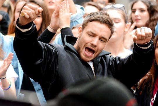 Liam and @Zedd in Camden Town in London yesterday!!!  #LiamPayne #Liam #Payne #StripThatDown #GetLow<br>http://pic.twitter.com/pkQcvsZxQe