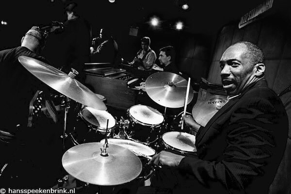 #HappyBirthday Alvin Queen (born August 16, 1950, age 67) #NowPlaying Night in Tunisia (2002)  https:// youtu.be/gdQqIrrpFWk  &nbsp;   @YouTube #Jazz<br>http://pic.twitter.com/M5ooYeIPmh