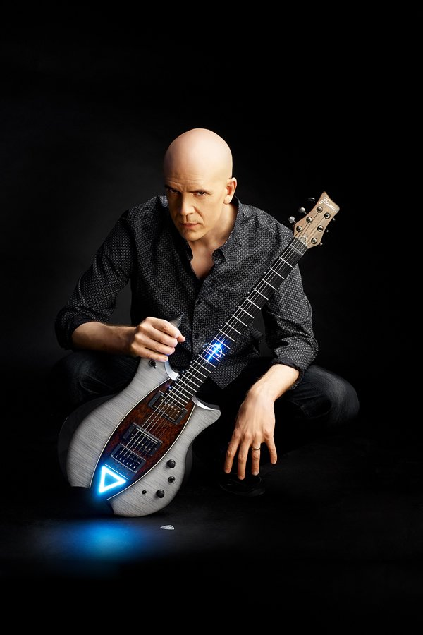 chuffed to have @dvntownsend to @the_guitarwrist . Devin is donating his strings and supporting @road2homerescue #charity #savetheplanet <br>http://pic.twitter.com/7AkOXsxd48