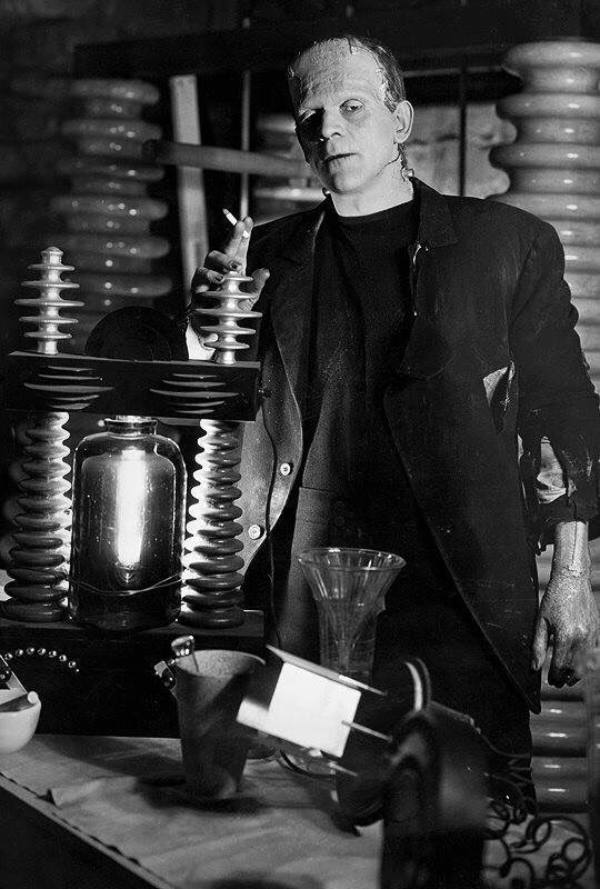 #BorisKarloff taking a tea break on the set of The Bride of Frankenstein (1935) #frankenstein #monster #retrohoror<br>http://pic.twitter.com/pt5eg4q9v4