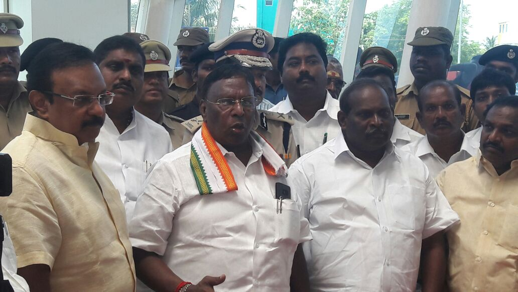 #Puducherry CM #Narayanasamy inaugurates resumption of flight services from Puducherry to Hyderabad in Airport premises , Lawspet.