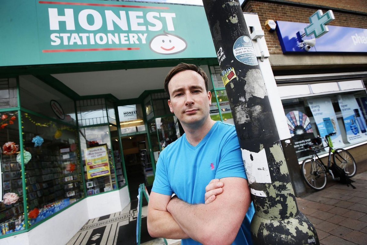Petition from Tom Hayes #UKLabour councillor calls for return of #Oxford Cowley Road &amp; Iffley Road #post offices  http://www. oxfordtimes.co.uk/news/yourtown/ oxford/15474450.Petition_calls_for_return_of_post_offices/ &nbsp; … <br>http://pic.twitter.com/45ohwhQlk7