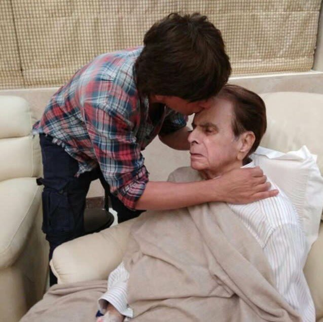 #KingKhan @iamsrk comes to visit the #FirstKhan #DilipKumar at his res...