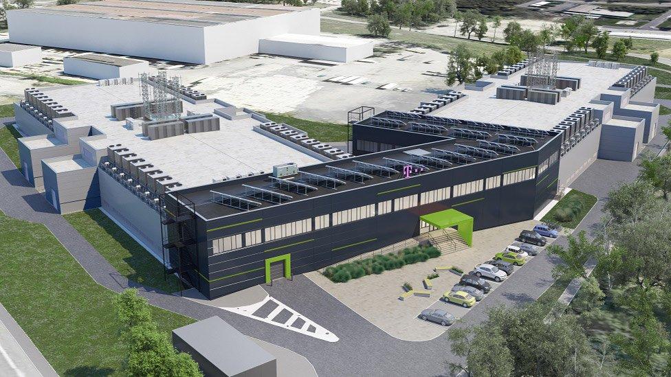 Revolutionary #datacenter DC7 is being built in Prague to satisfy growing demand. #BigData   http:// tinyurl.com/y7jdkosw  &nbsp;  <br>http://pic.twitter.com/k1EXK6Oj1t