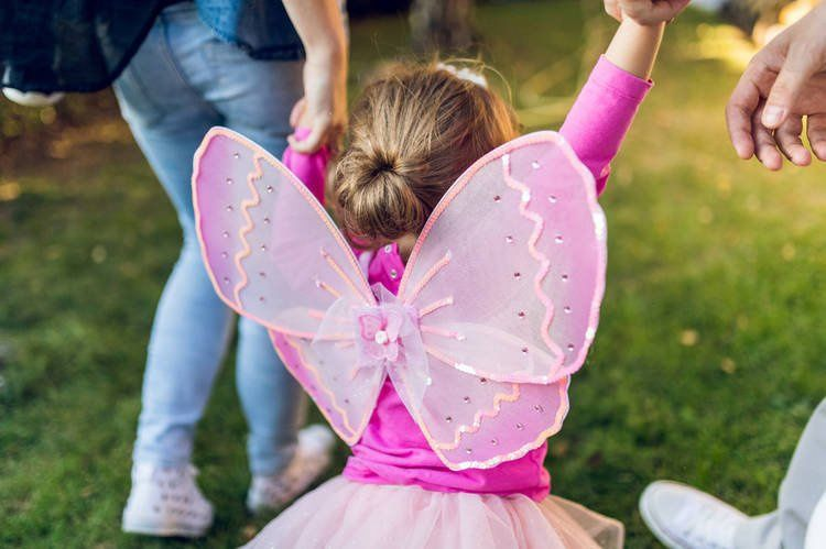 Love this #dad point of view about his daughter&#39;s #childhood - I&#39;m So Over Making My Kid&#39;s Childhood &#39;Magical&#39;  https:// buff.ly/2w3Crhi  &nbsp;  <br>http://pic.twitter.com/KVUYJG8ULf