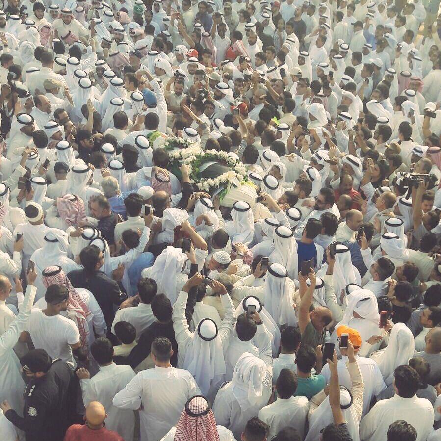 المشهد الأخير لـ فنان #الكويت #عبدالحسين_عبدالرضا https://t.co/k3aMjkl...