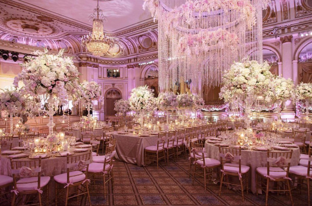 A little luxury on this #WeddingWednesday of the custom crystal and floral design for a client! Photo Credit: Alan Zepeda <br>http://pic.twitter.com/Ivk6li1dpT