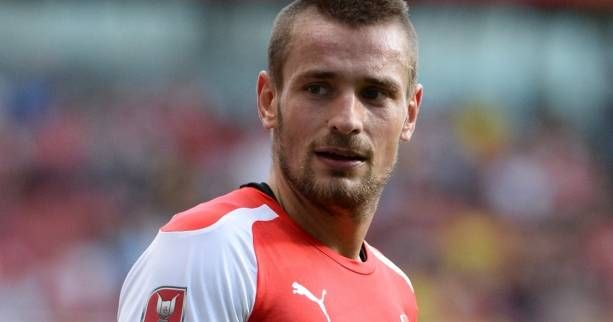 🔵🔵🔵 - Mathieu Debuchy (Arsenal) dans le viseur de l'OM  ⏩ https://t.co/jsn6GCLifL