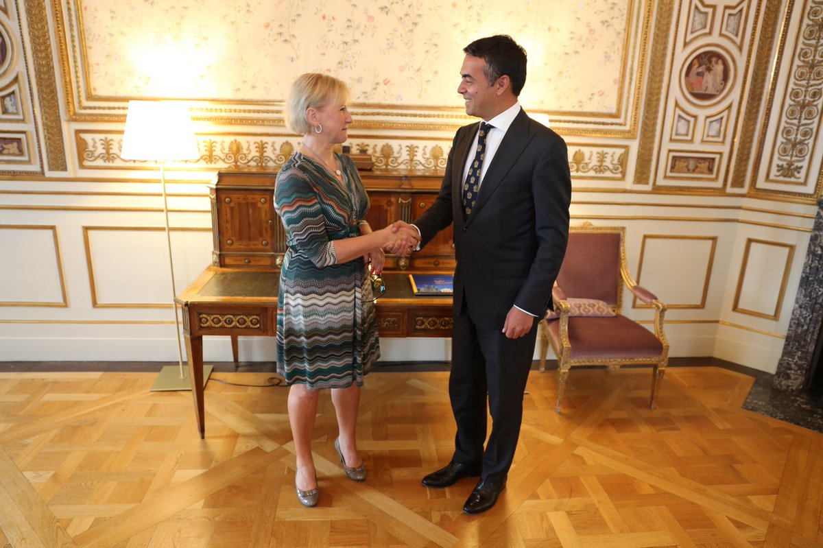 Meeting w FM @Dimitrov_Nikola SE support Macedonia's EU path. Further strengthening our cooperation: bit.ly/2wfcFag