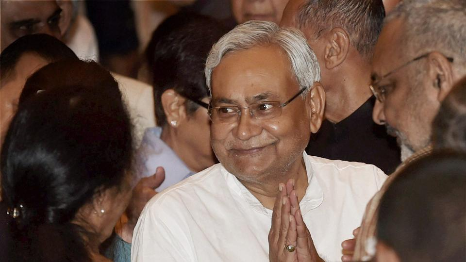 From a Bodhi tree to a bonsai in the BJP pot, Nitish Kumar could be another Mehbooba #HTAnalysis @VinodSharmaView https://t.co/NIEiwq8fWG