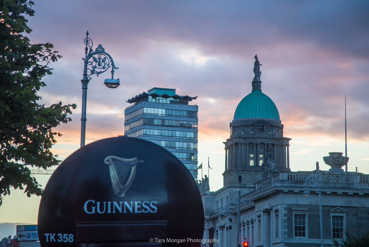 &quot;A pint of plain is your only man&quot; #TheWorkmansFriend #Dublin #GUİNNESS  @homeofguinness @PhotosOfDublin @ireland @98FM @OldDublinTown<br>http://pic.twitter.com/Oz7NZ9rkih