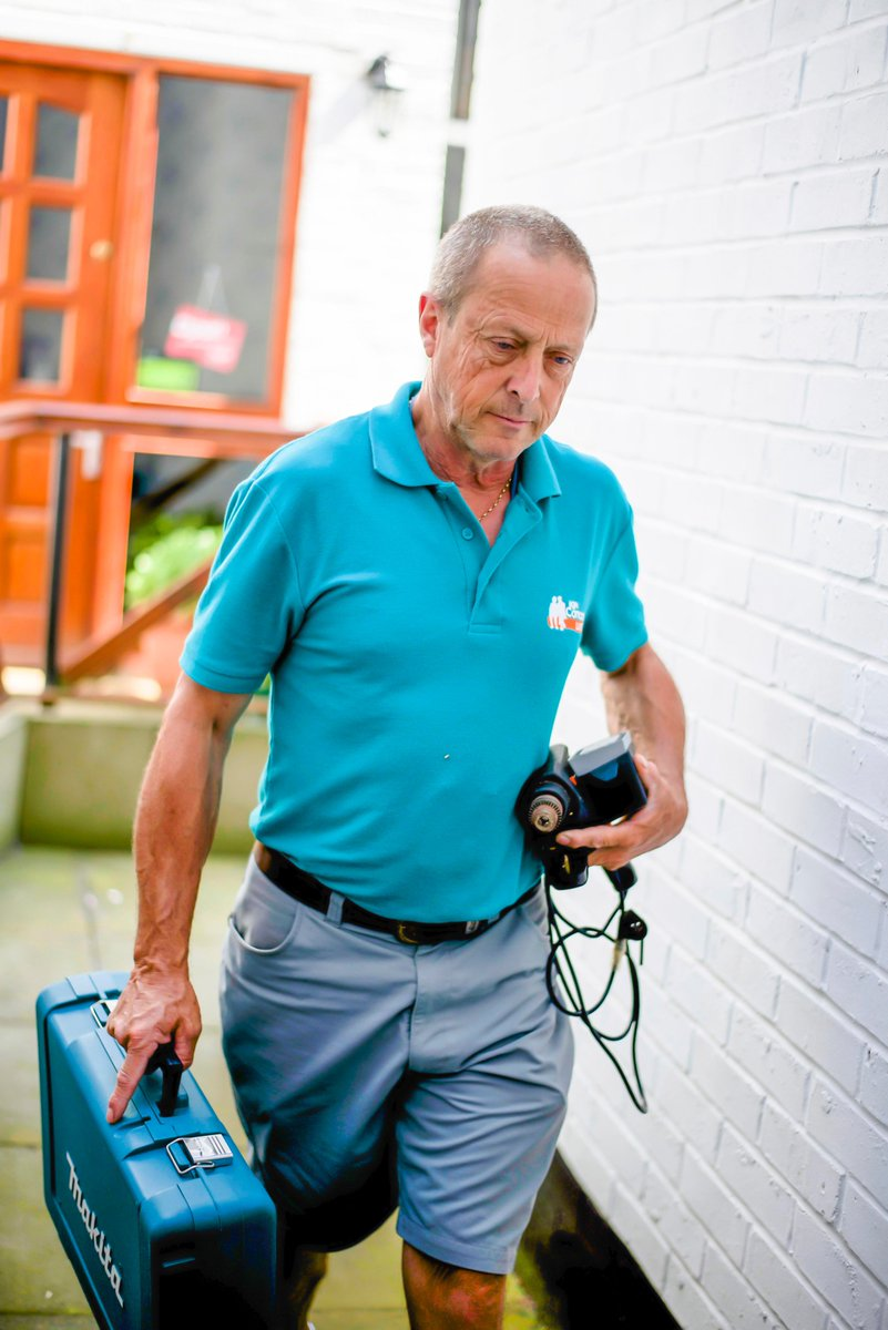 We install handrails &amp; can do repairs that reduce the risk of falls for #Luton #older and #disabled people free of charge - 01582 456812<br>http://pic.twitter.com/I2BVvhsL4h