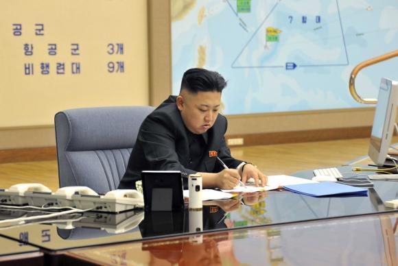 Trump classifica como sábia a decisão de Kim Jong-un de descartar ataque a Guam https://t.co/3nCH4lsCa1 📷 KCNA/ DPA/Agência Lusa