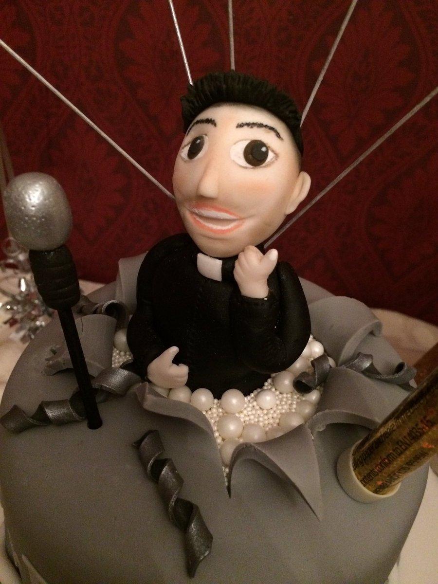 Amazing Fr Frankie Mulgrew On Twitter I Think My 40Th Birthday Cake May Funny Birthday Cards Online Inifodamsfinfo