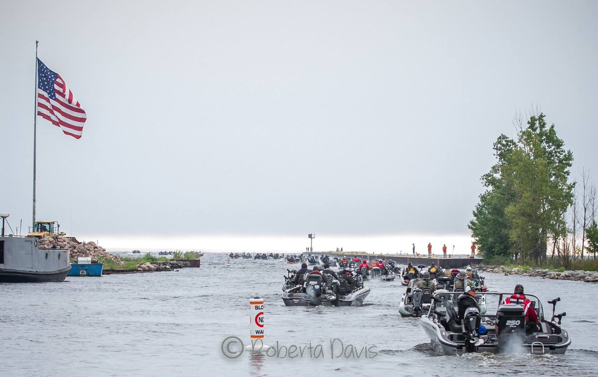 National Walleye Tournament in our little town!  #nwt #cabelasnwt #cabelas #marinette <br>http://pic.twitter.com/0ytz8wXW4g