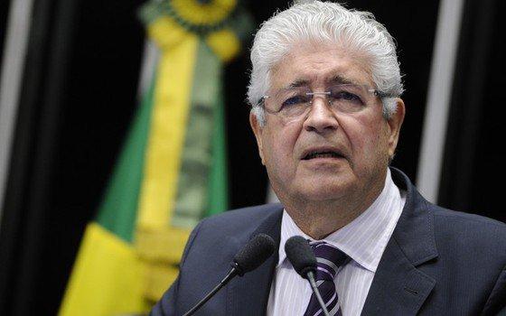 Requião pede o afastamento de Romero Jucá da Presidência do PMDB https://t.co/dd5x5j5zrR