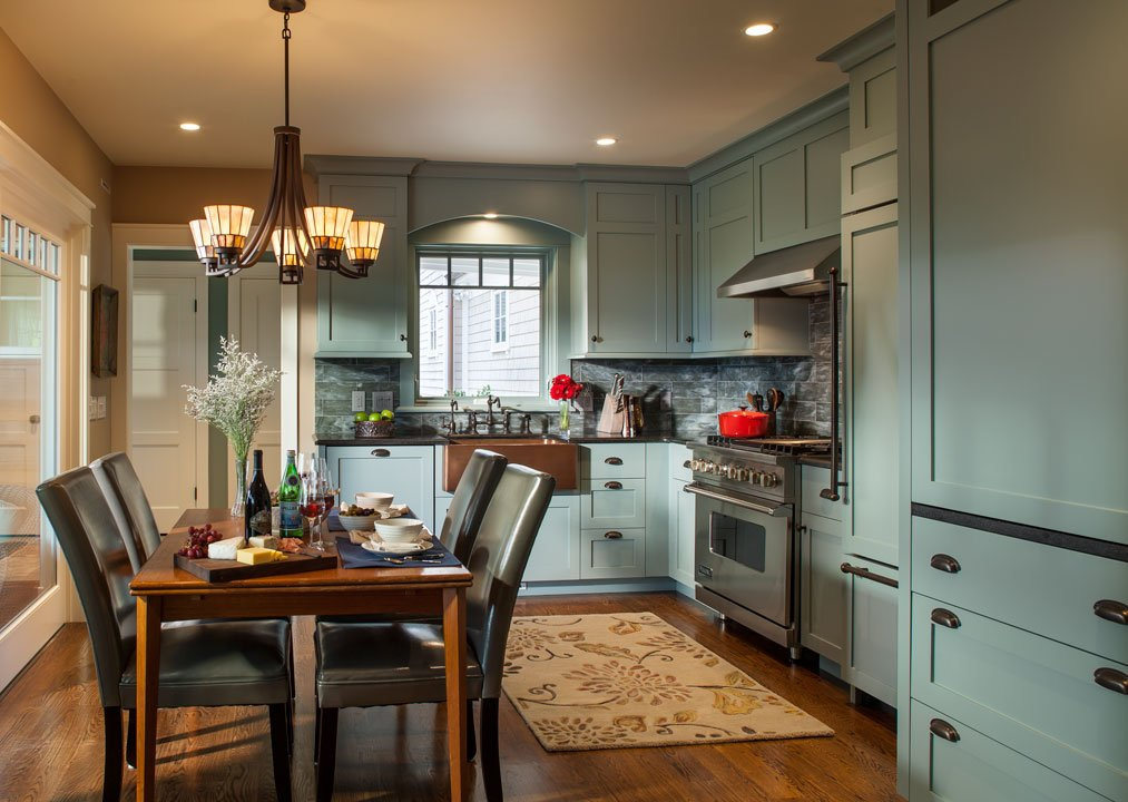 We wrote a blog post on our fave coastal #kitchen designs, inspired by #KBtribechat! What does everyone think? |  http:// thedeclutteringhandbook.com/blog/coastal-d ream-kitchens &nbsp; … <br>http://pic.twitter.com/WEPezJ7TwK