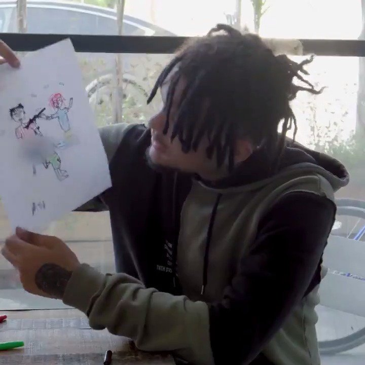 .@Smokepurpp loves art. Watch him draw his self-portrait, and @lilpump's too.
