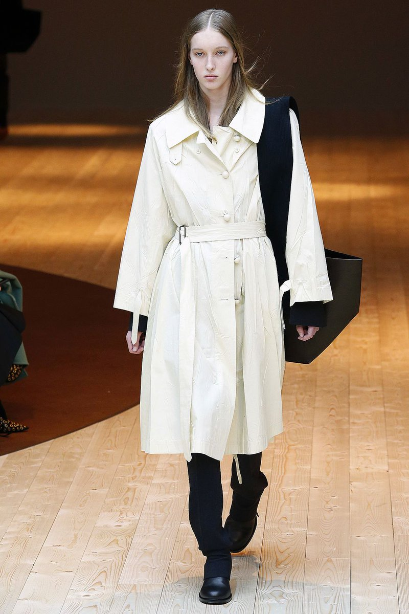 There's a lot to say about #winter coats already, so what #fashion trends will be huge this year?  http:// bit.ly/2uUphPC  &nbsp;   via @GlamourMagUK<br>http://pic.twitter.com/mmuBDOnUem