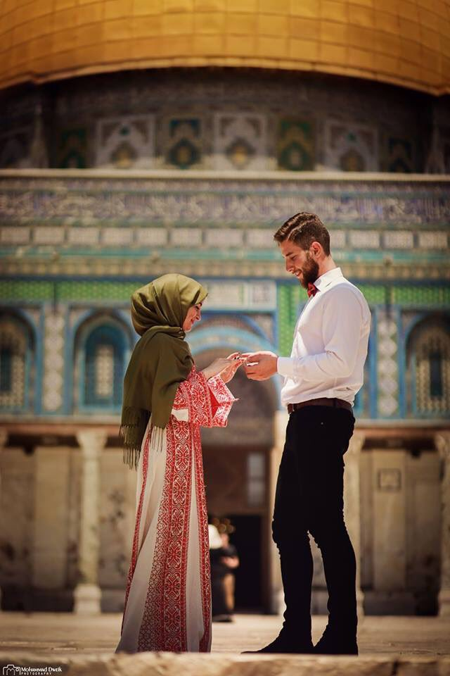 What could be more #beautiful than proposing to the one you love  in al #Aqsa ? <br>http://pic.twitter.com/fAzqrq8sA9