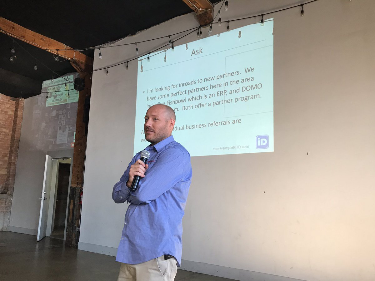 Watching Stan at  http:// SimpleRFID.com  &nbsp;   present #1mc @1MillionCupsPRO possibly looking for affiliate partners... #rfid around $0.1 per tag <br>http://pic.twitter.com/kzqSVjQNCK