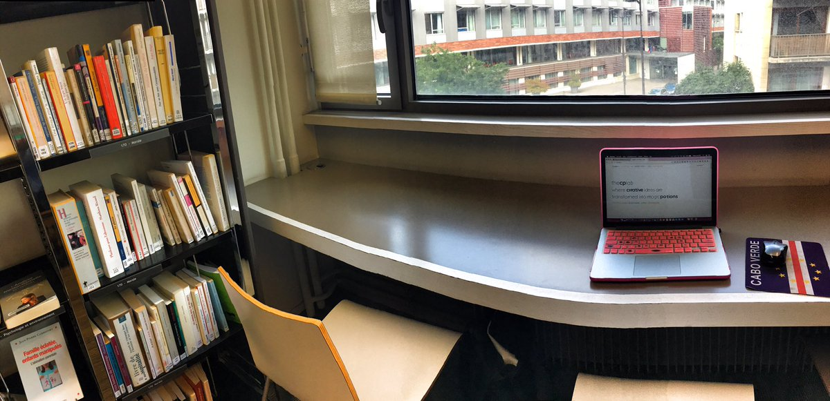 Office set up at the #mediatheque Helene Berr Paris 12. #LibraryLove #LibraryLife #LibrariesAroundTheWorld<br>http://pic.twitter.com/lsBHPyYjpM