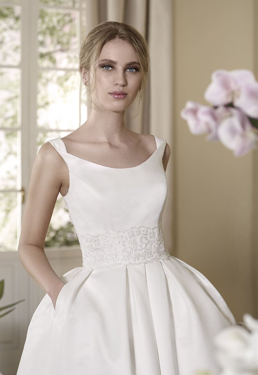 Who can resist the scooped bardot neckline and delicately embellished waistline of Acadera?  http:// ow.ly/zkQU30aWWIV  &nbsp;   #WeddingWednesday <br>http://pic.twitter.com/zfNi801Ogs