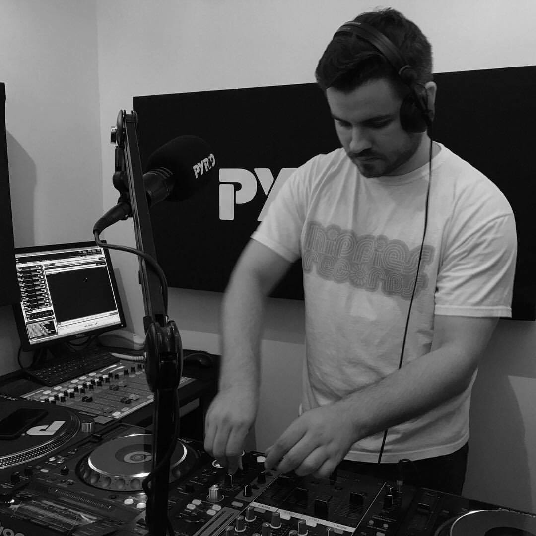 #ListenBack  @Francis__DJ alongside guests @_Casaldn &amp; #Guntrip live from 9-11pm (02/08/2017) #House #TechHouse    http://www. pyroradio.com/francis-with-g uests-casa-events-djs-guntrip-zeph-02082017 &nbsp; … <br>http://pic.twitter.com/4fTwod4PDL