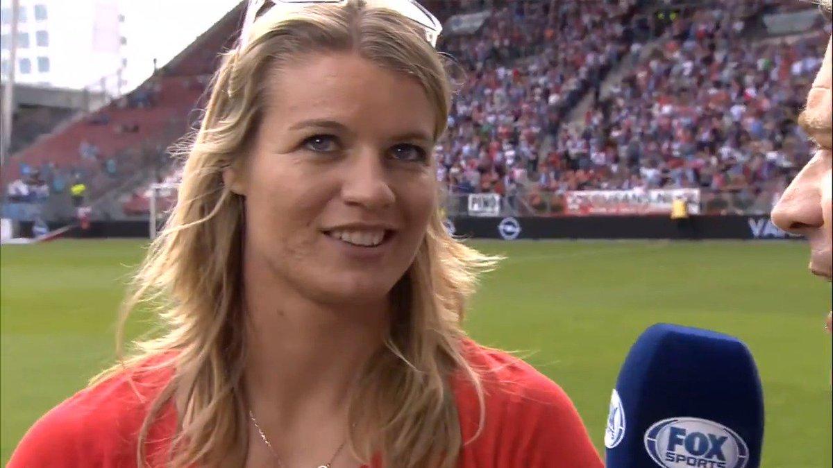 🔴⚪ | Utrechtse Dafne Schippers eregast in Stadion Galgenwaard: 'Dit is...