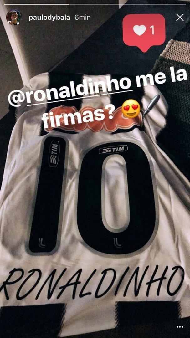 Dybala fez um pedido pro seu ídolo Ronaldinho, em sua conta no Instagram! O atacante quer um autógrafo do craque em sua camisa do Galo!