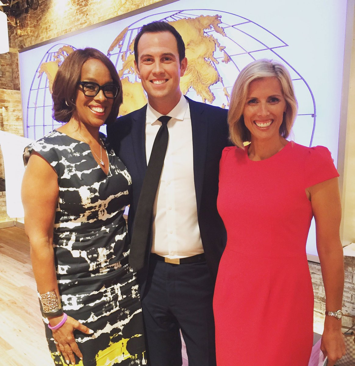 #WBZ does NYC! Thanks @CBSThisMorning and @GayleKing for having us! #RealNews #Boston #CBS <br>http://pic.twitter.com/7ZSBRU1nOM