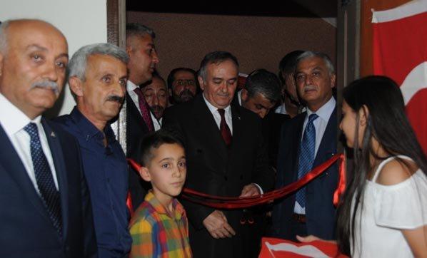 MHP, Hakkari'de 10 yıl aradan sonra parti teşkilatı kurup binası açtı....