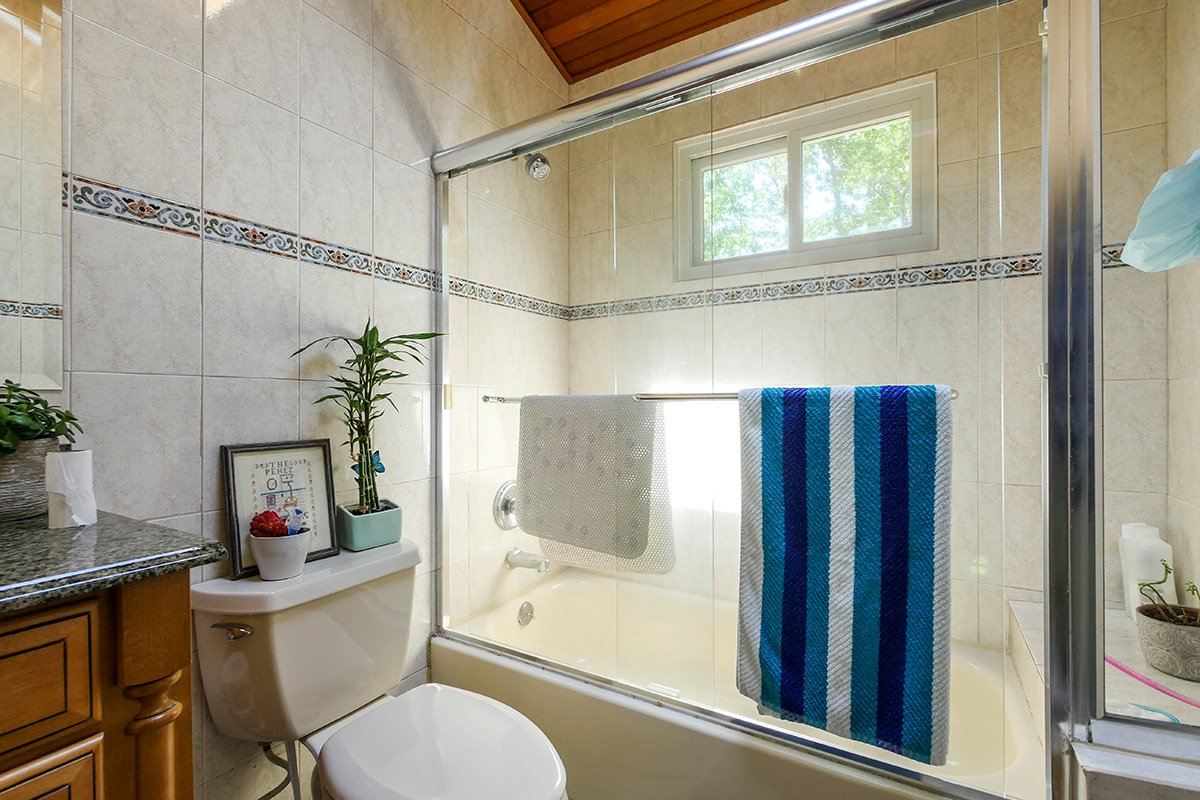 New #sliding #window we installed in this #bathroom #shower... #renovation #home #homewindows #longisland #contractor #remodeling @RbACorp<br>http://pic.twitter.com/crOR9oFp8K