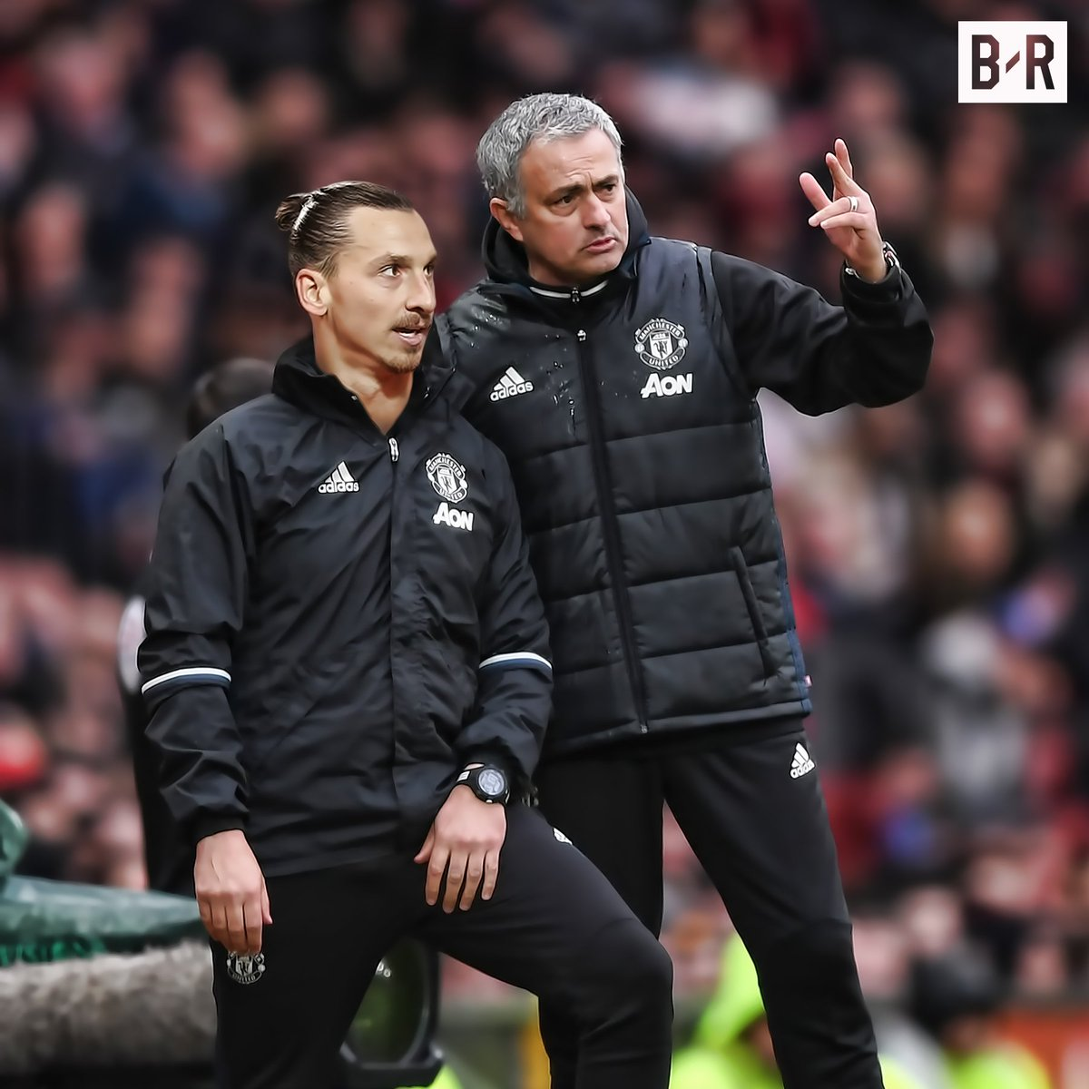Manchester United will reportedly offer Zlatan Ibrahimovic a new deal… with a view to a future coaching role 👀 https://t.co/UuHo1RWfcm
